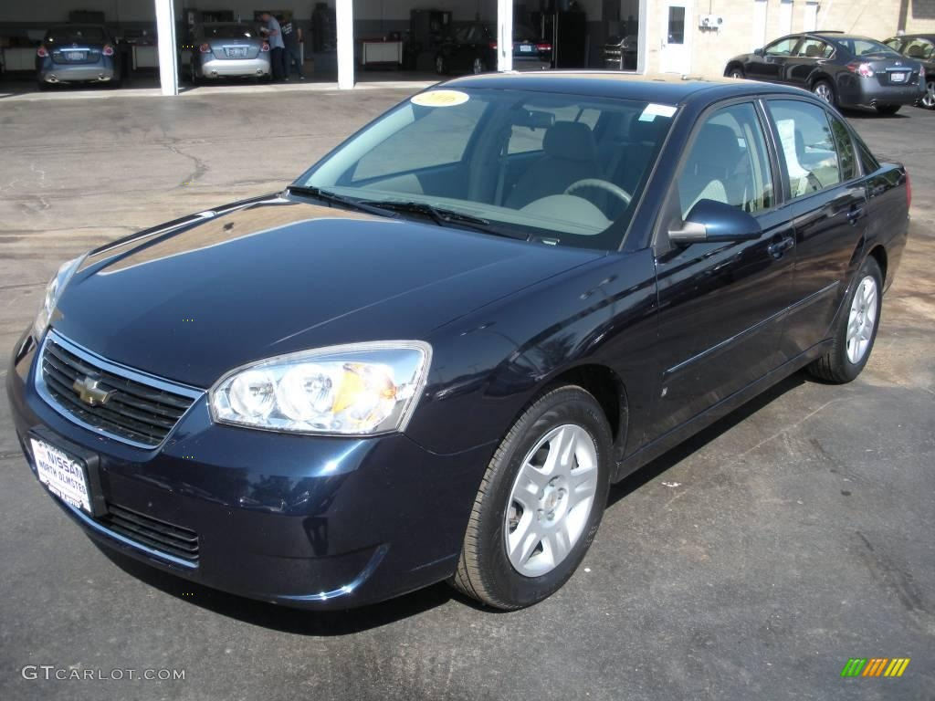 Dark Blue Metallic Chevrolet Malibu. Chevrolet Malibu LT Sedan