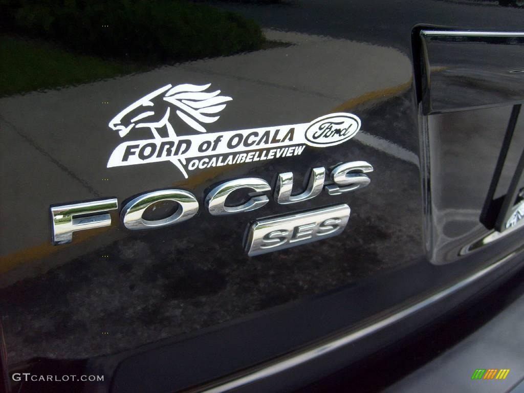 2005 Focus ZXW SES Wagon - Pitch Black / Dark Flint/Light Flint photo #10