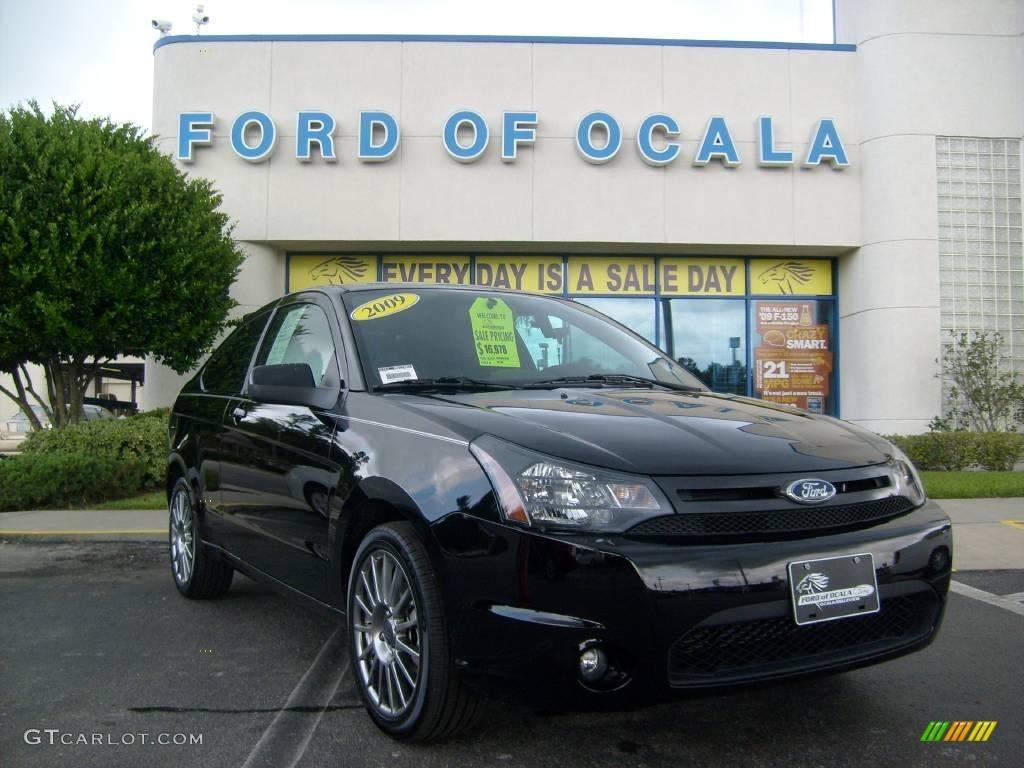 ebony black ford focus
