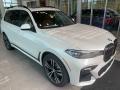 Mineral White Metallic 2021 BMW X7 xDrive40i