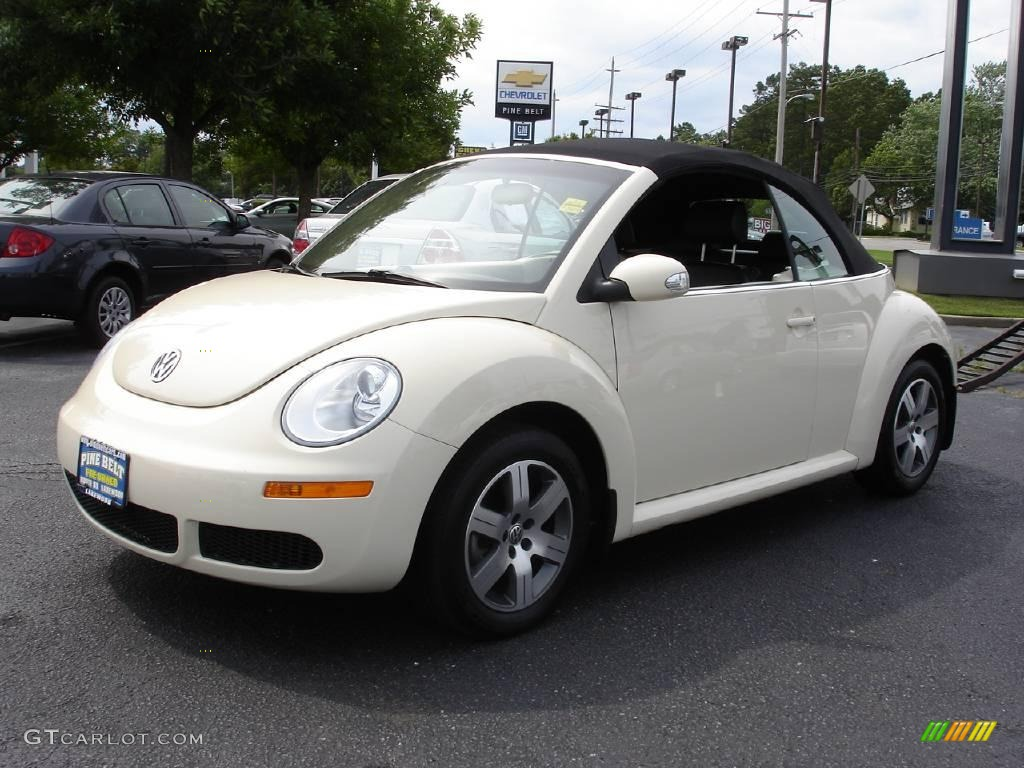 2006 harvest moon beige volkswagen new beetle 2 5 convertible 13924382 car. Black Bedroom Furniture Sets. Home Design Ideas