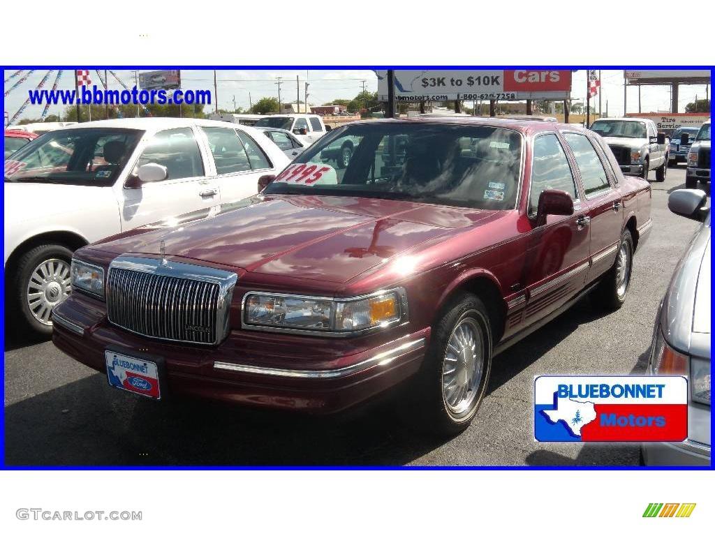 1997 Toreador Red Metallic Lincoln Town Car Cartier 13897112