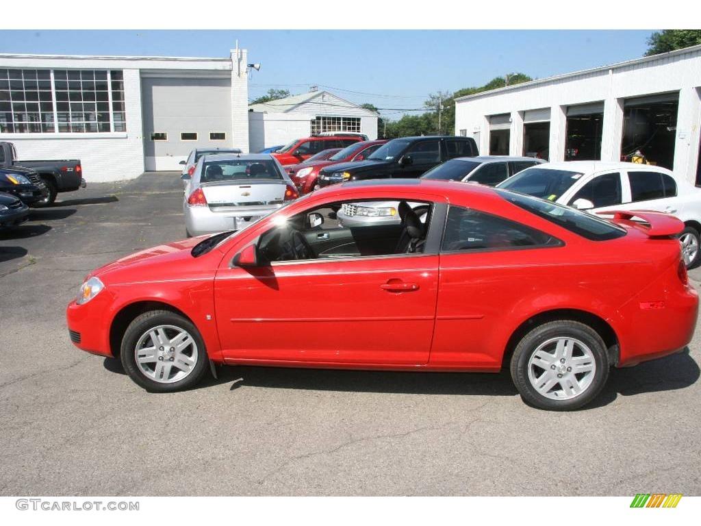 2007 Cobalt LT Sedan - Victory Red / Ebony photo #8
