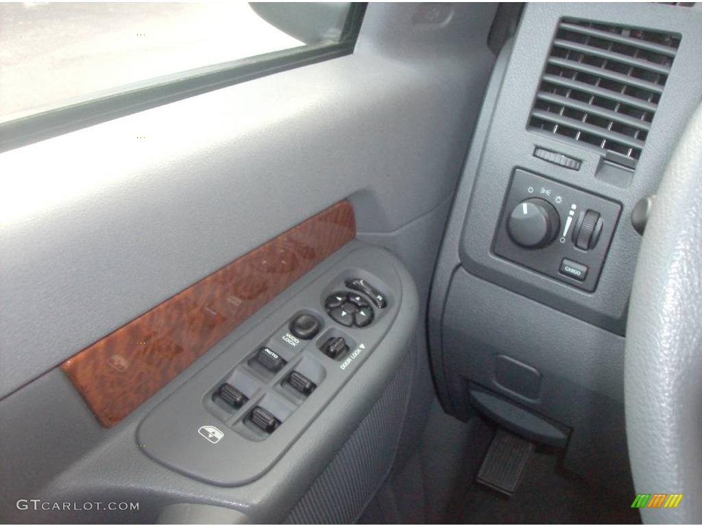 2006 Ram 1500 SLT Quad Cab - Bright Silver Metallic / Medium Slate Gray photo #12