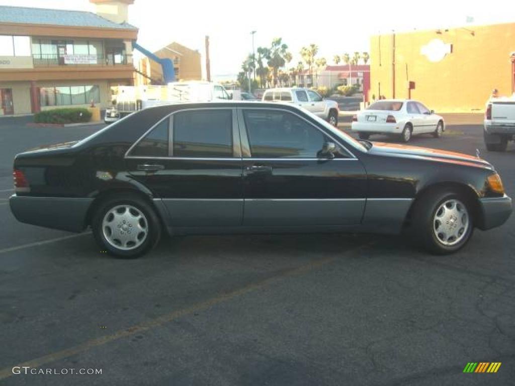 1992 black mercedes benz s class 300 sd sedan 14055789 for Mercedes benz s class colours