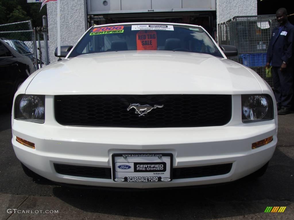 2006 Mustang V6 Premium Convertible - Performance White / Dark Charcoal photo #2