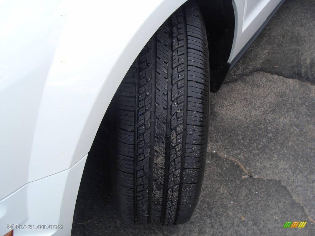 2006 Mustang V6 Premium Convertible - Performance White / Dark Charcoal photo #9