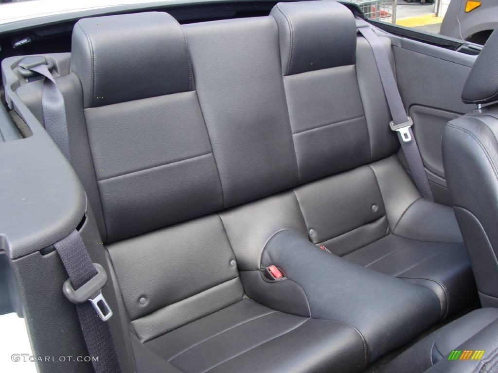 2006 Mustang V6 Premium Convertible - Performance White / Dark Charcoal photo #15