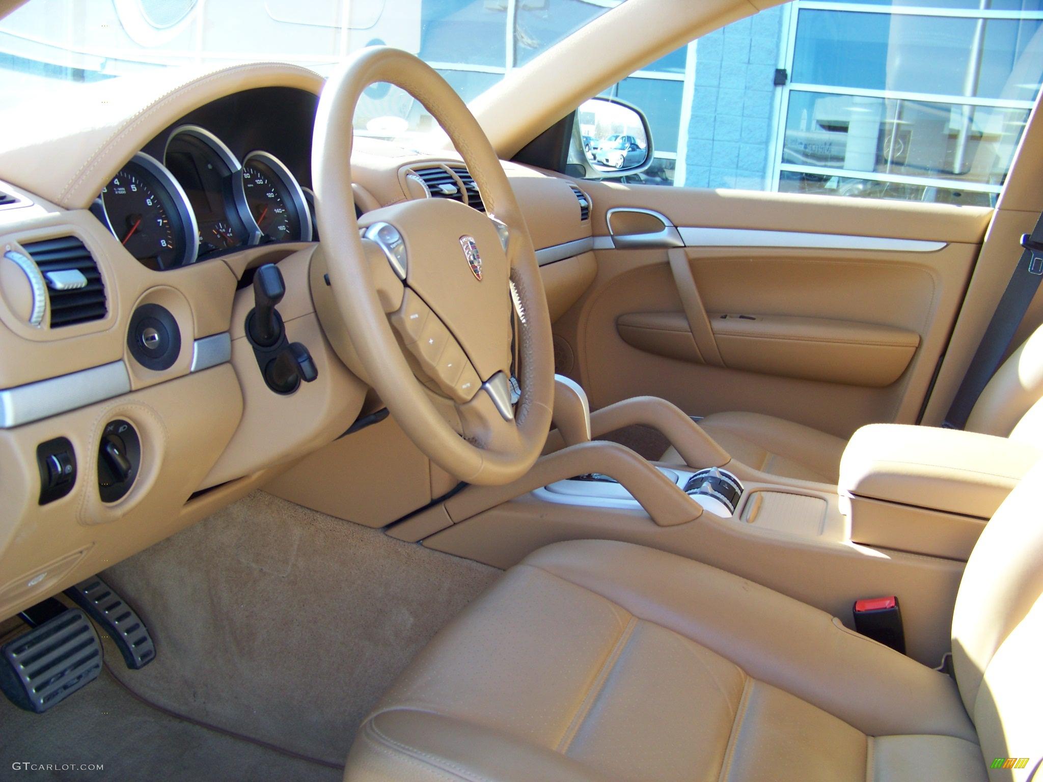 2006 porsche cayenne s interior photo 141191 for Porsche cayenne interior images