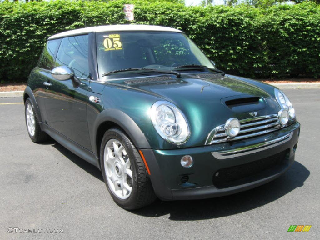 2005 british racing green metallic mini cooper s hardtop 14108386 car color. Black Bedroom Furniture Sets. Home Design Ideas