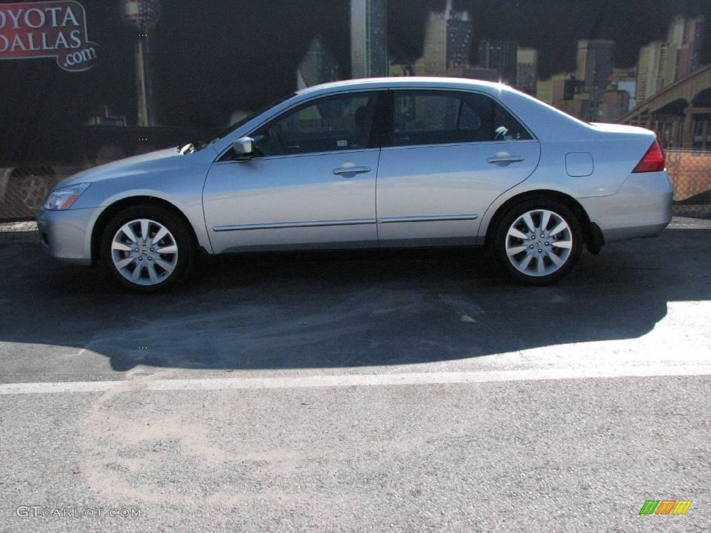 2007 Alabaster Silver Metallic Honda Accord Se V6 Sedan