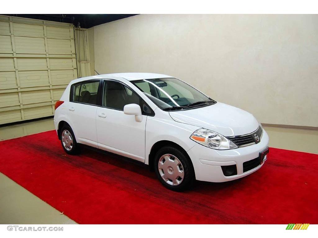 2008 Fresh Powder White Nissan Versa 1.8 S Hatchback ...