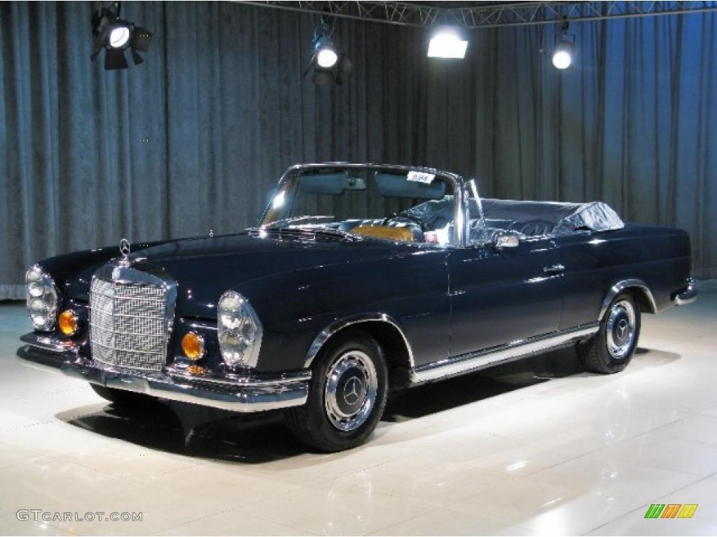 1967 dark blue mercedes benz s class 250se cabriolet for Blue mercedes benz