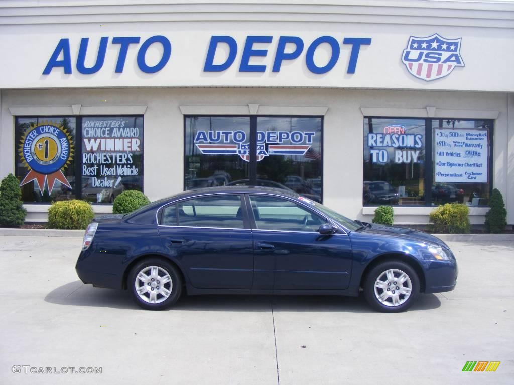 Majestic Blue Metallic Nissan Altima