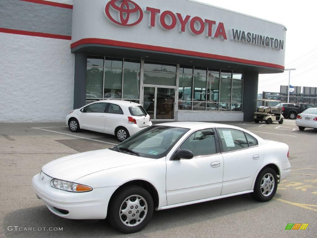 2001 arctic white oldsmobile alero gx sedan 14709640 gtcarlot com car color galleries gtcarlot com