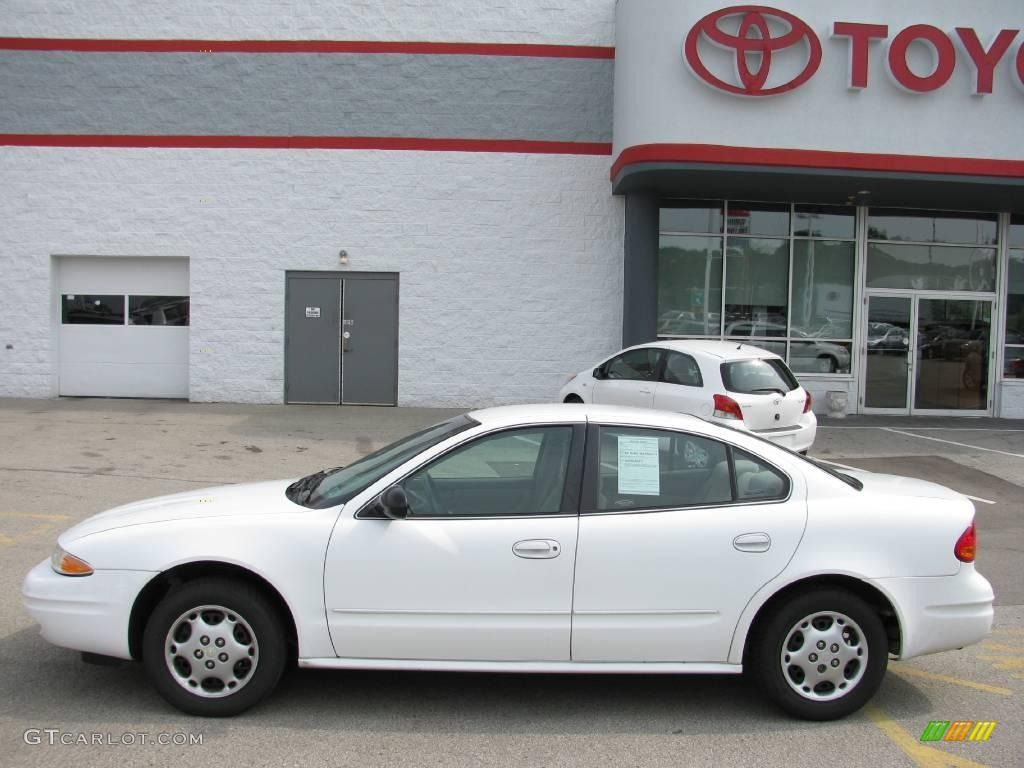2001 arctic white oldsmobile alero gx sedan 14709640 photo 2 gtcarlot com car color galleries gtcarlot com