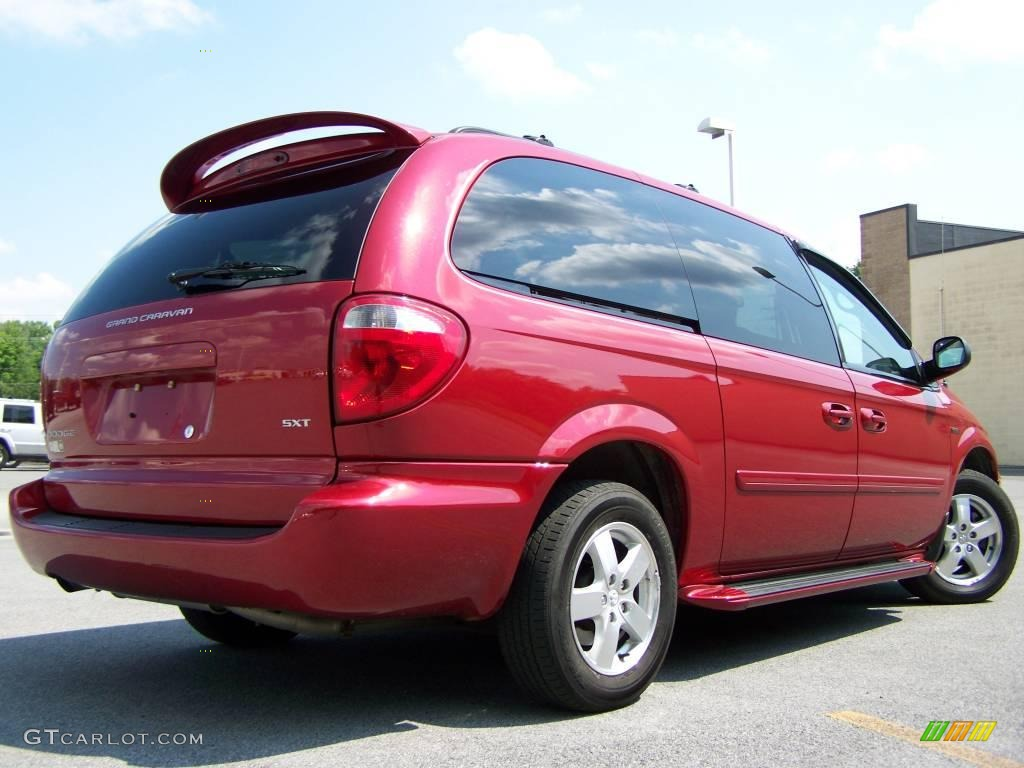 2007 inferno red crystal pearl dodge grand caravan sxt. Black Bedroom Furniture Sets. Home Design Ideas