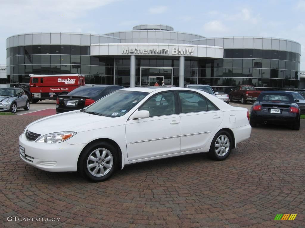 2002 Camry XLE   Super White / Taupe Photo #1