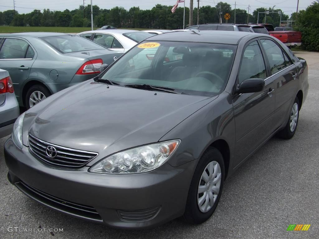 2005 phantom gray pearl toyota camry le 14988604 car color galleries. Black Bedroom Furniture Sets. Home Design Ideas