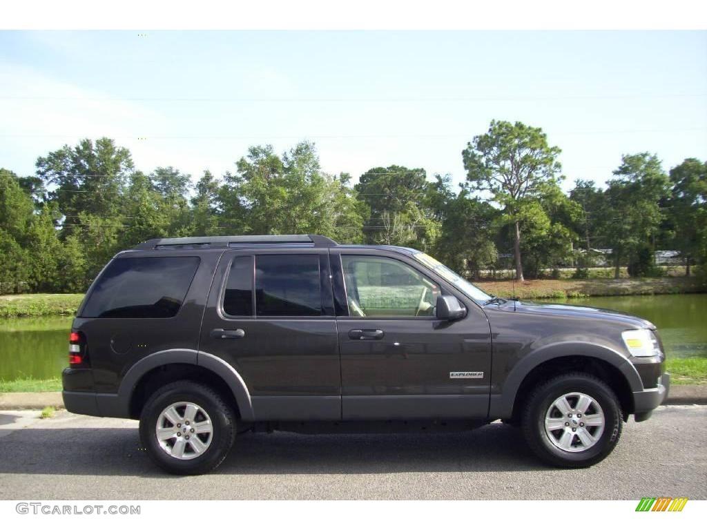 2006 Dark Stone Metallic Ford Explorer XLT 15065442 Car Col