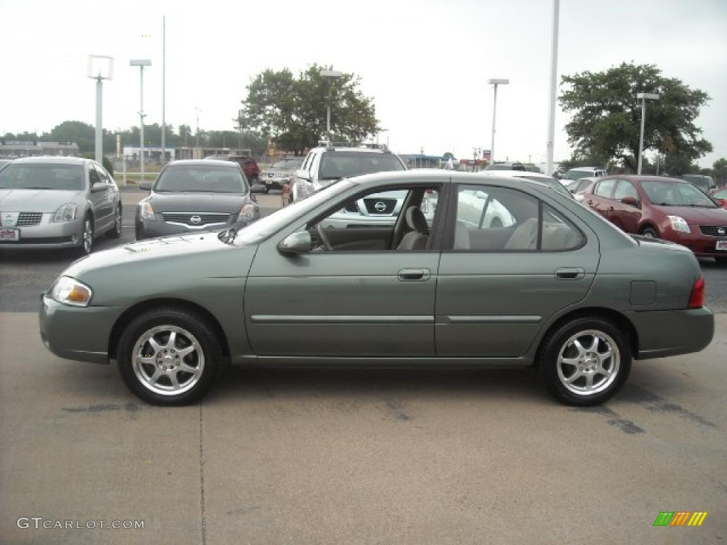 Jaded green nissan sentra