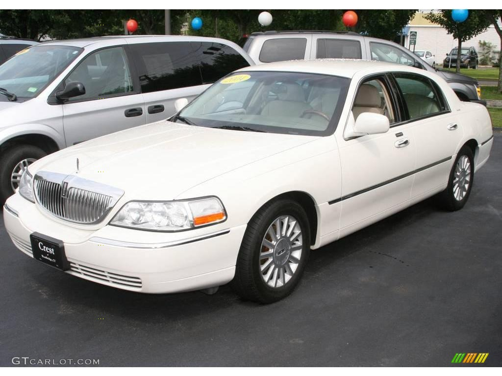 2004 vibrant white lincoln town car ultimate 15109920 car color galleries. Black Bedroom Furniture Sets. Home Design Ideas