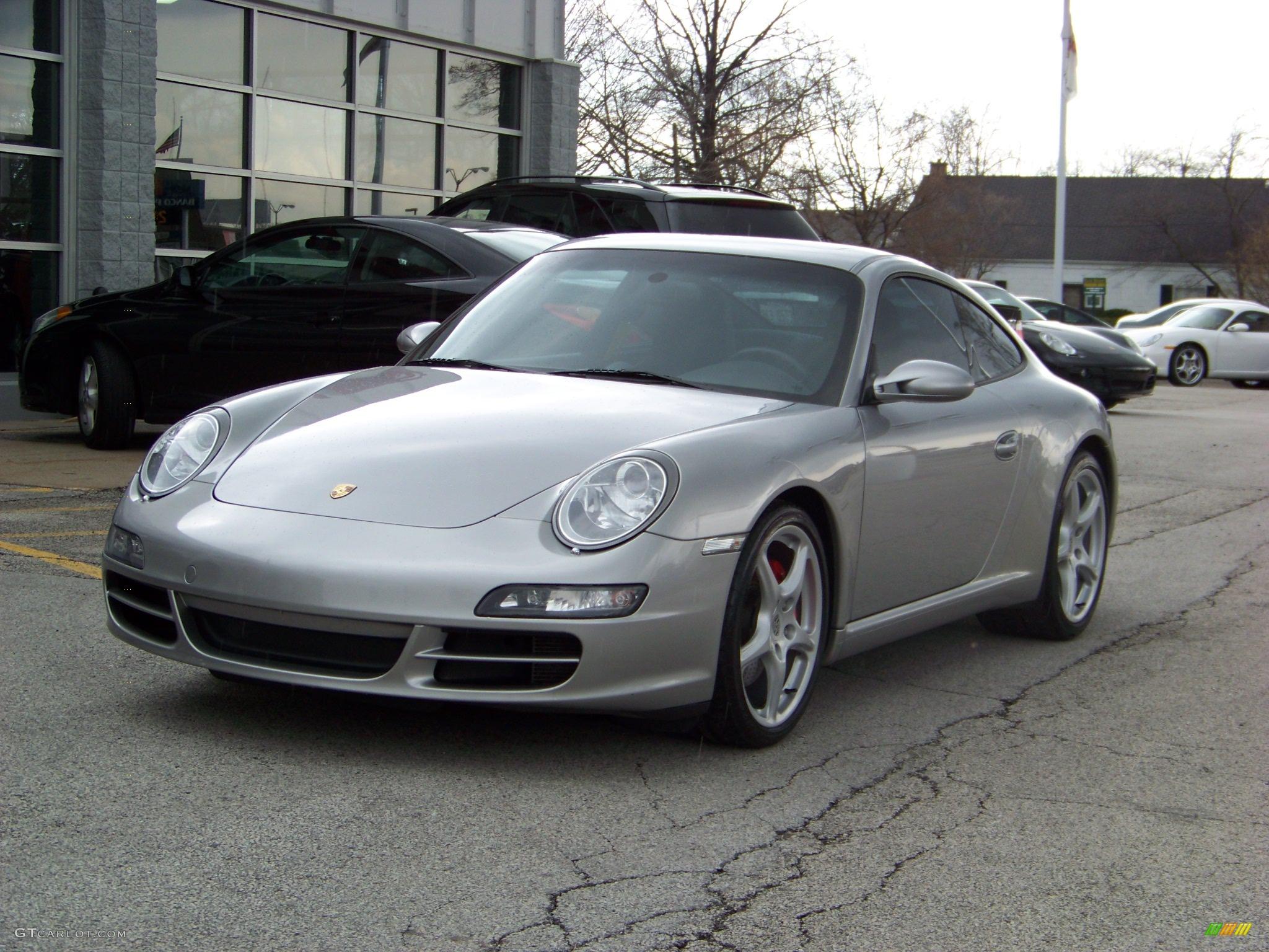 GT Silver Metallic Porsche 911