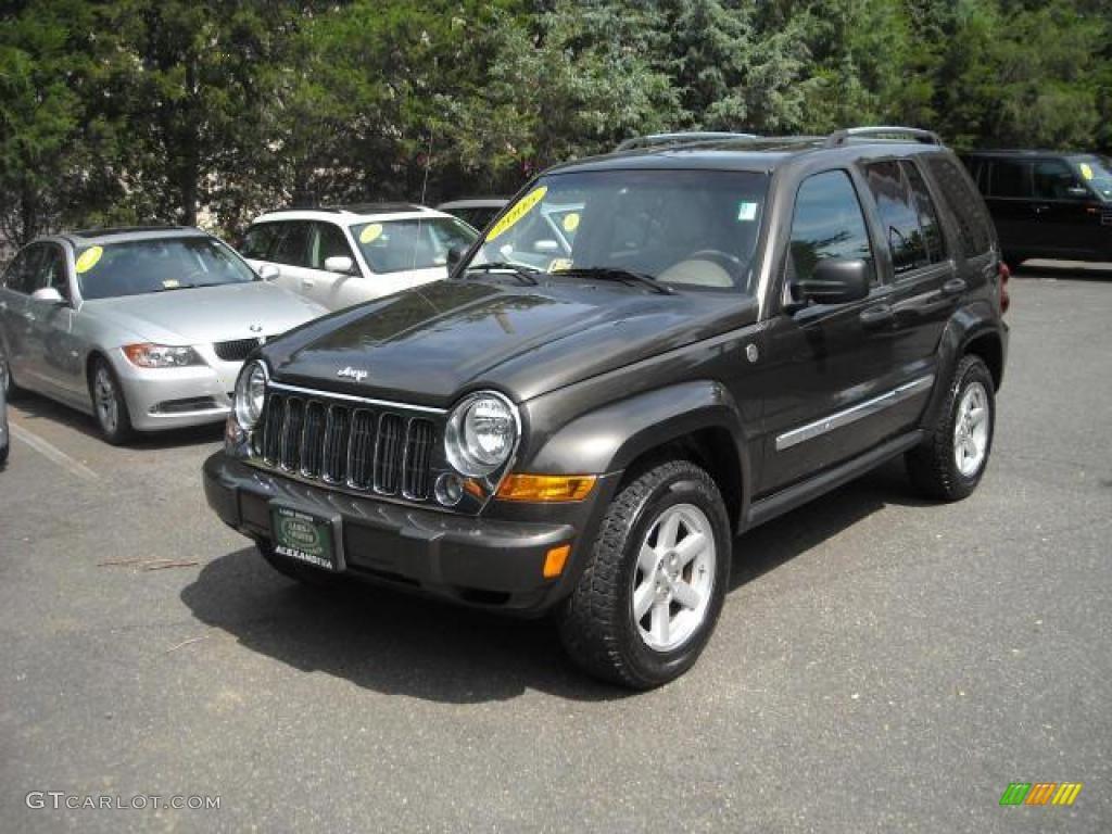 2005 Dark Khaki Pearl Jeep Liberty Limited 4x4 15693685