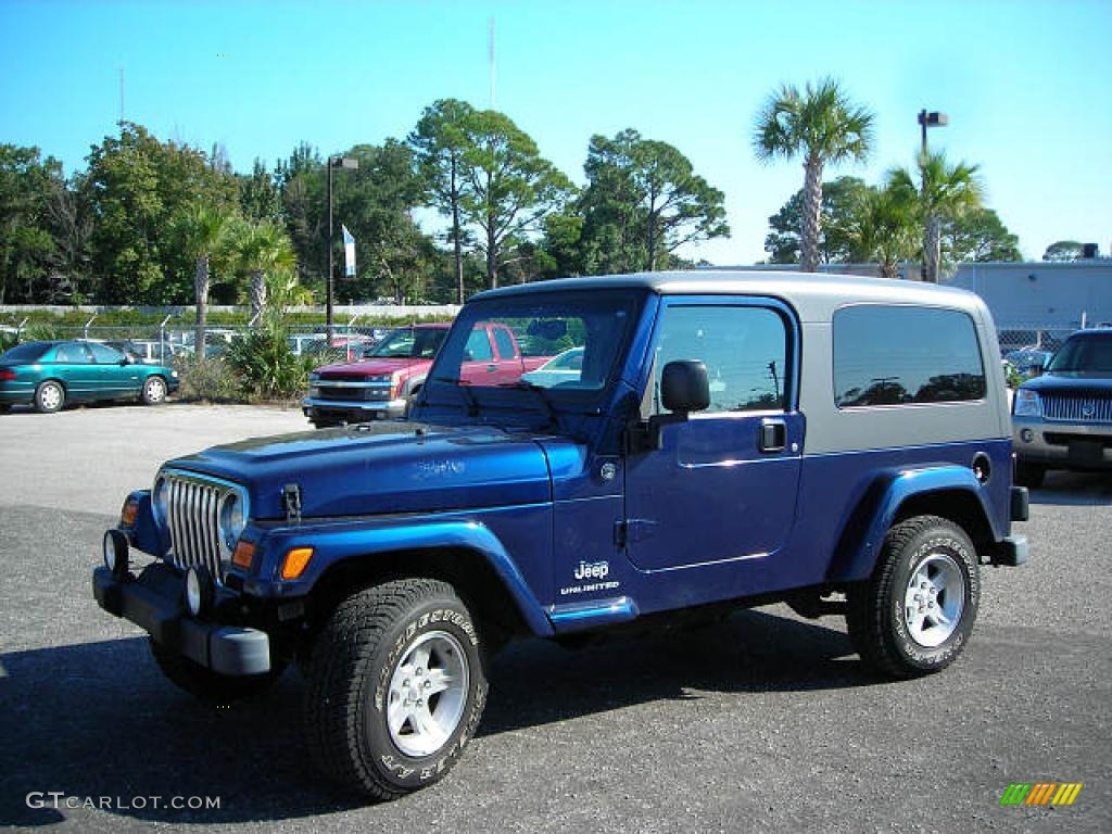 2005 Patriot Blue Pearl Jeep Wrangler Unlimited 4x4