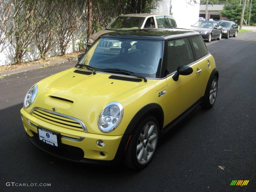 2003 liquid yellow mini cooper s hardtop 15781873 photo 2 car color galleries. Black Bedroom Furniture Sets. Home Design Ideas