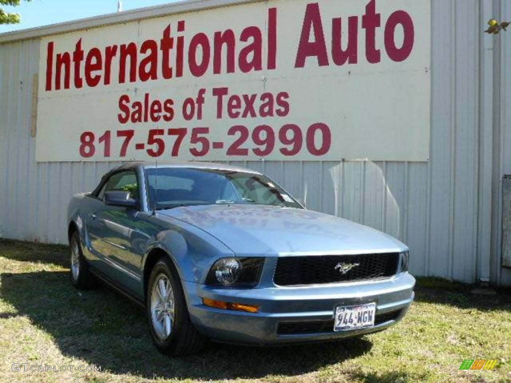 2007 Mustang V6 Deluxe Convertible - Windveil Blue Metallic / Dark Charcoal photo #1