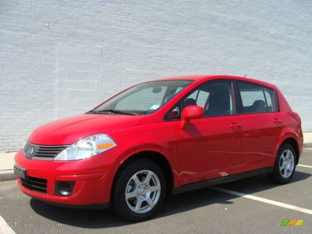 2009 red alert nissan versa 18 s hatchback 15874383 gtcarlot red alert nissan versa vanachro Images