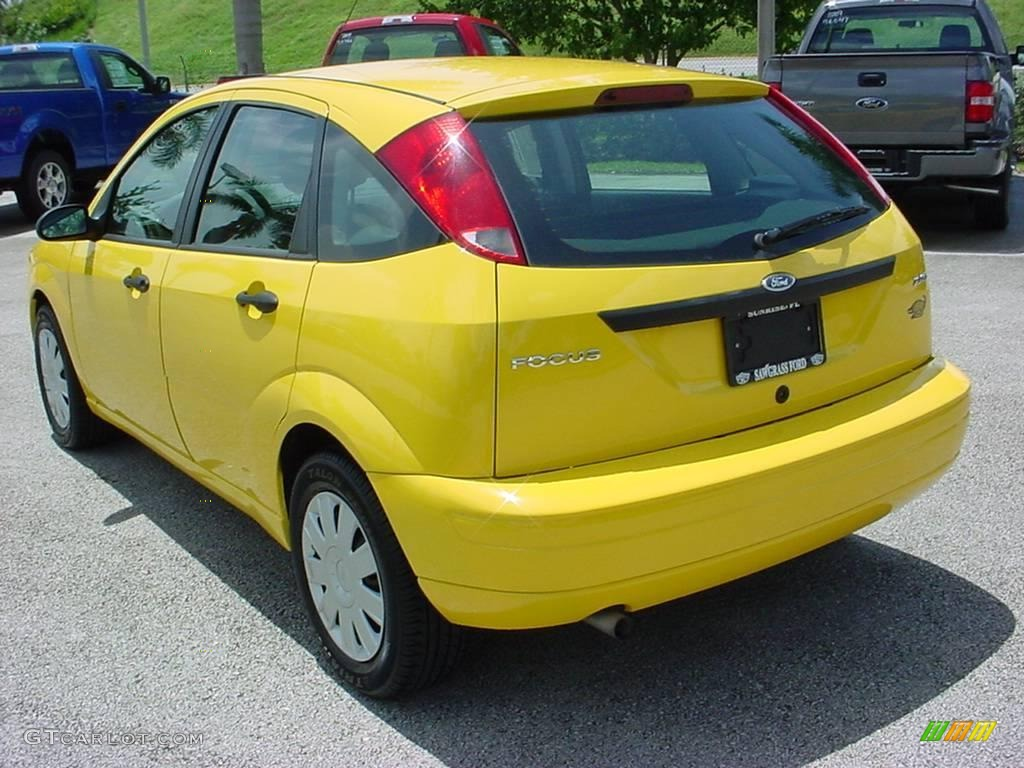 2006 screaming yellow ford focus zx5 s hatchback 15909718. Black Bedroom Furniture Sets. Home Design Ideas