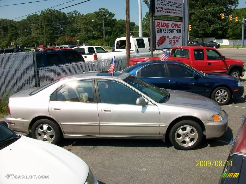 Heather Mist Metallic Honda Accord. Honda Accord SE Sedan