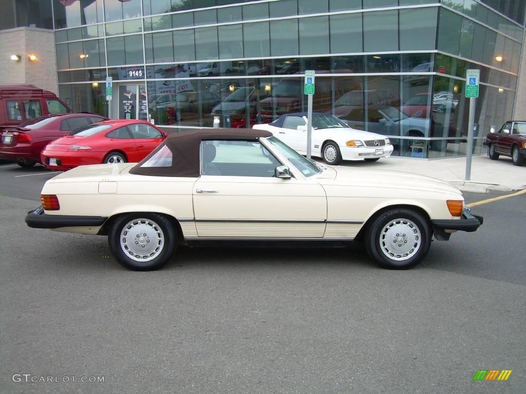 1985 light ivory mercedes benz sl class 380 sl roadster for Mercedes benz lighter