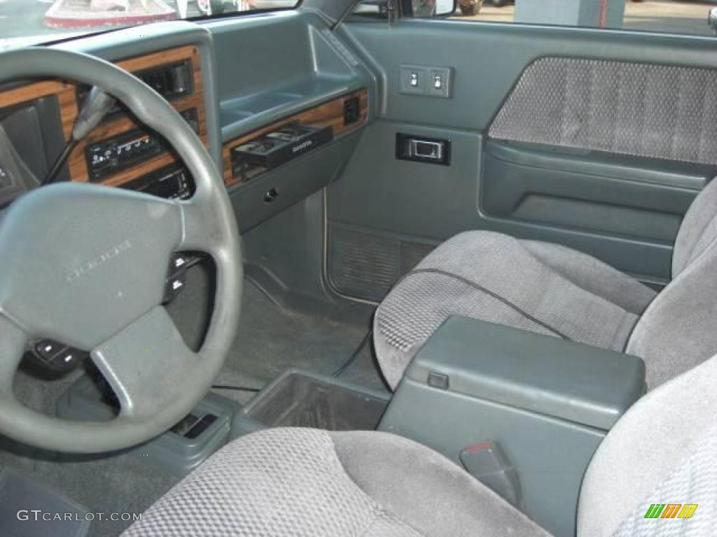 on 1993 Dodge Dakota 4x4 Blue
