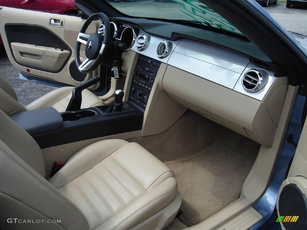 2006 Mustang GT Premium Convertible - Windveil Blue Metallic / Light Parchment photo #17