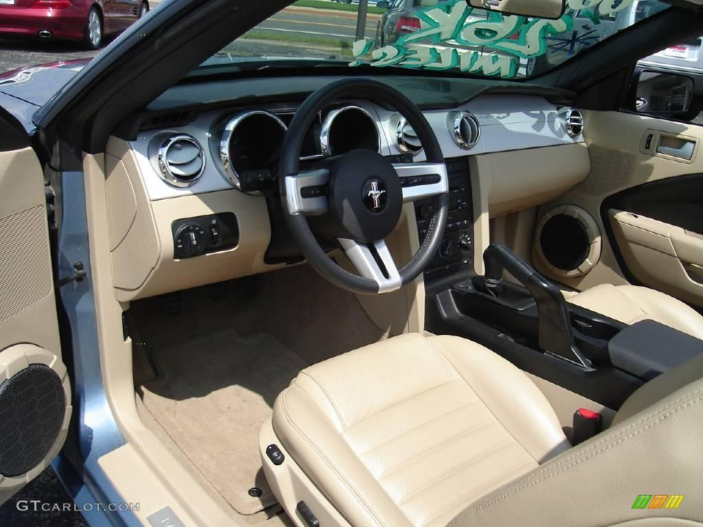 2006 Mustang GT Premium Convertible - Windveil Blue Metallic / Light Parchment photo #20