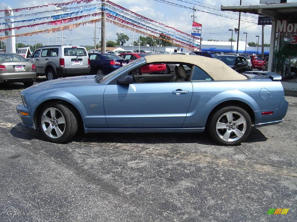 2006 Mustang GT Premium Convertible - Windveil Blue Metallic / Light Parchment photo #30