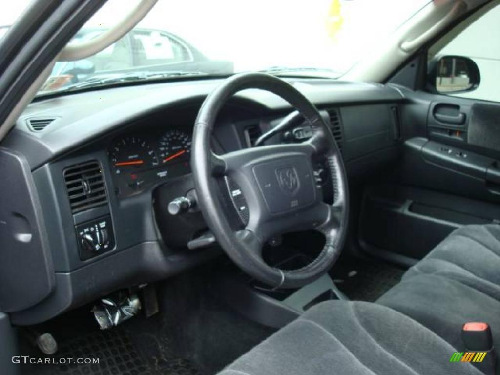 2004 Dakota SLT Quad Cab 4x4 - Black / Dark Slate Gray photo #17