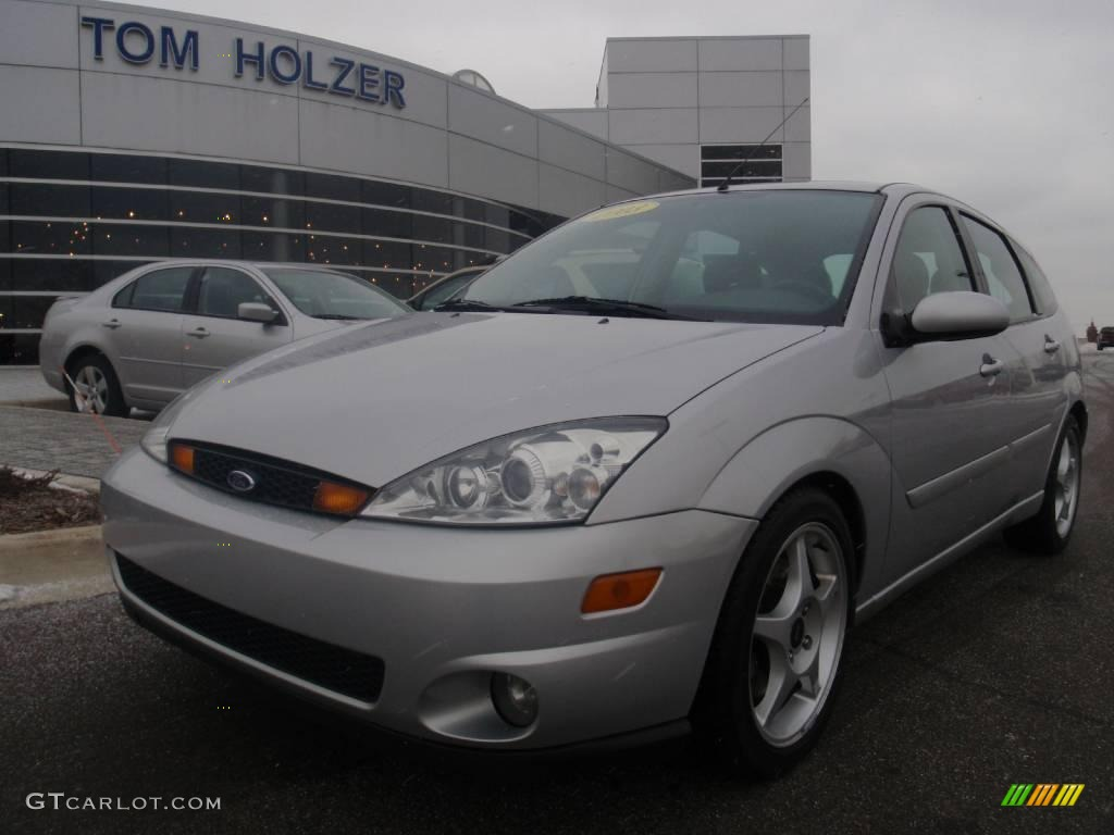 2003 cd silver metallic ford focus svt hatchback 1647011. Black Bedroom Furniture Sets. Home Design Ideas