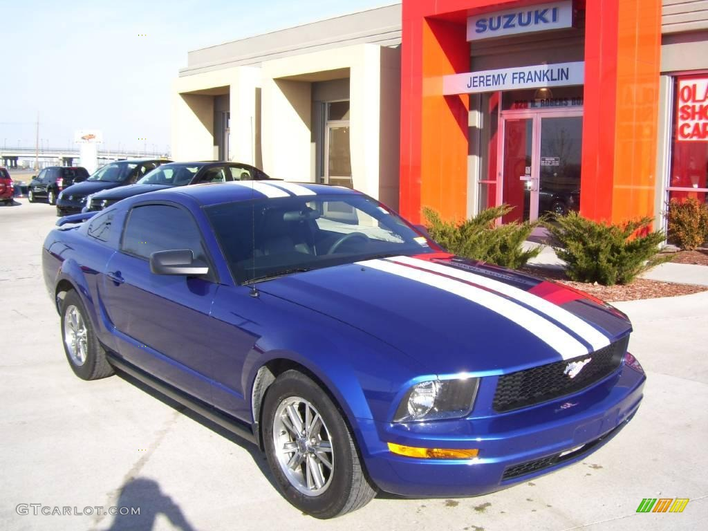 2005 sonic blue metallic ford mustang v6 deluxe coupe 1647097