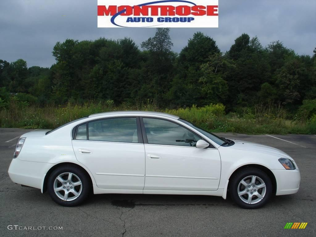 2006 satin white pearl nissan altima 25 s special edition satin white pearl nissan altima vanachro Choice Image