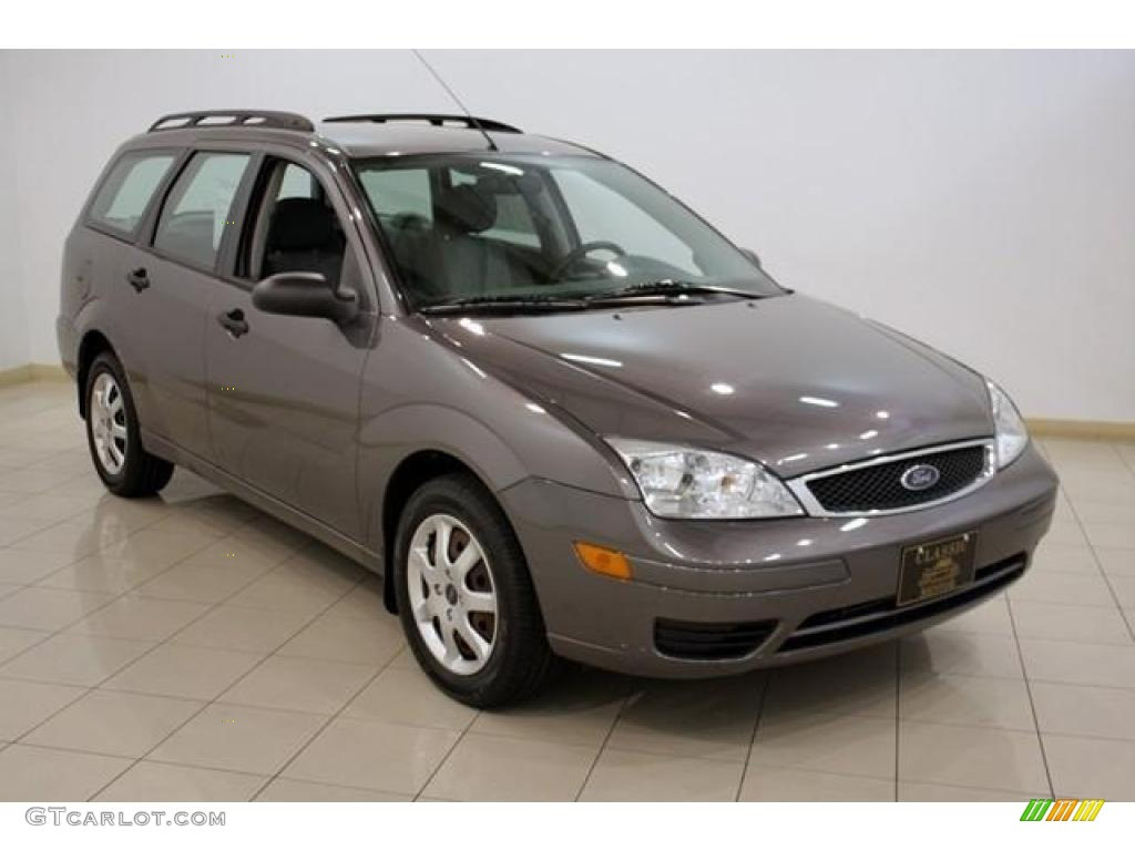 2005 Liquid Grey Metallic Ford Focus Zxw Se Wagon