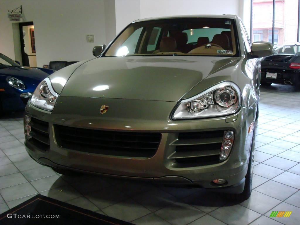 2009 Olive Green Metallic Porsche Cayenne S 1661888