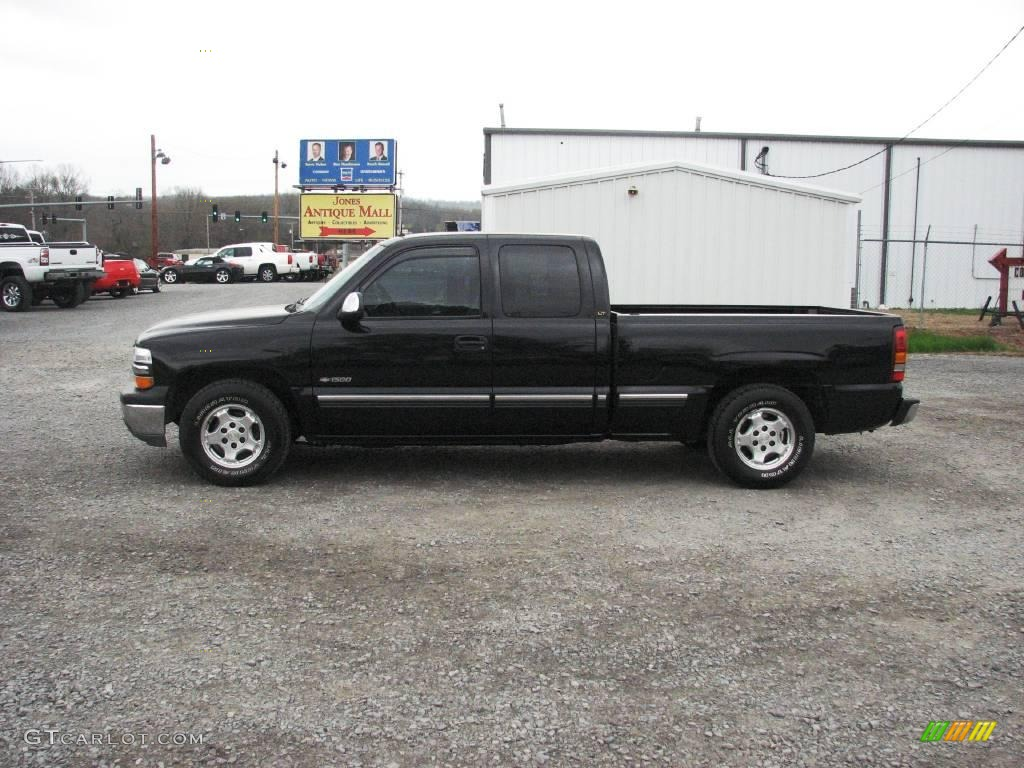 2002 Silverado 1500 LT Extended Cab - Onyx Black / Medium Gray photo #1
