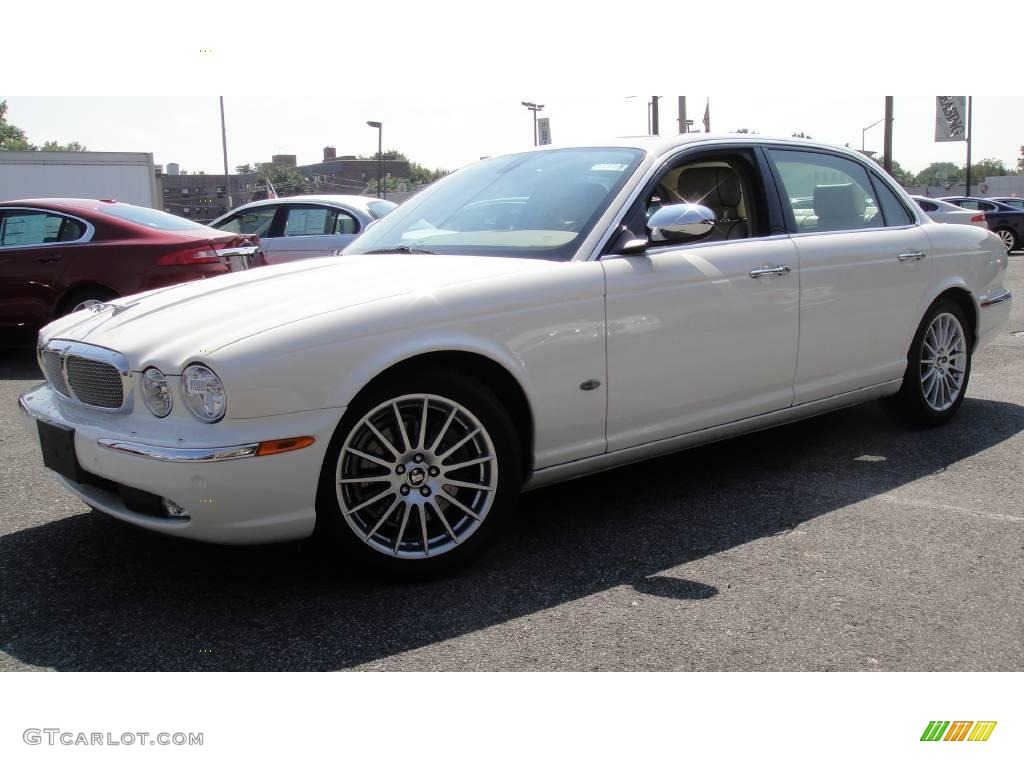 Porcelain White Jaguar XJ