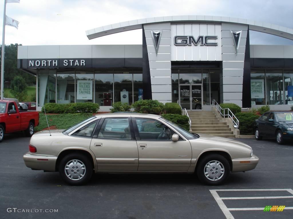 Buick Regal Custom Sedan