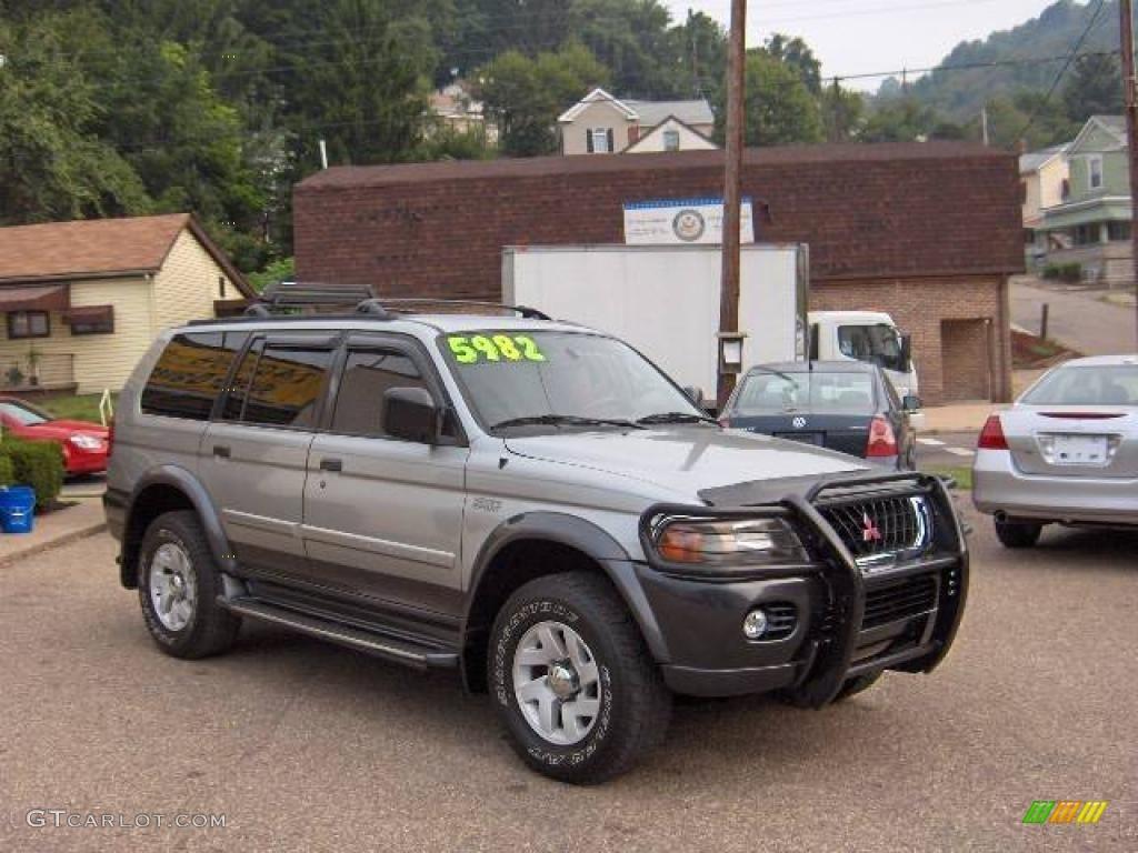 2000 Montero Sport XLS 4x4   Seattle Silver Metallic / Gray Photo #2