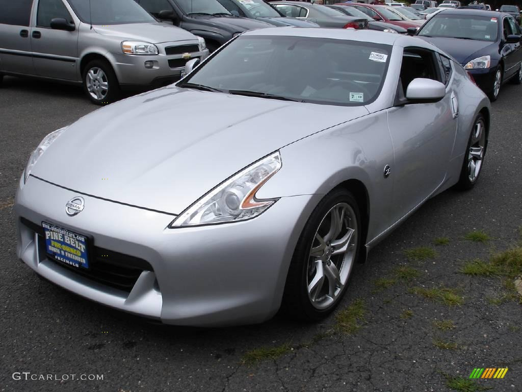 2009 brilliant silver nissan 370z sport touring coupe 16992676 car color galleries. Black Bedroom Furniture Sets. Home Design Ideas
